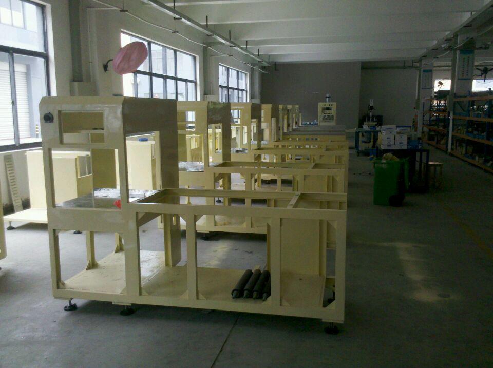我公司标准自动高周波塑胶熔接机批量生产